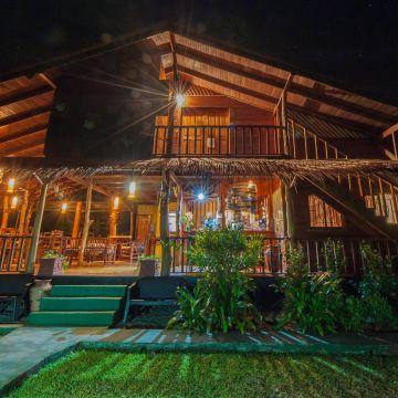 Hotel Coco Loco Lodge