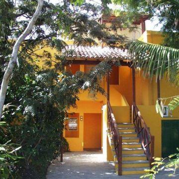 Hotel Amarilla