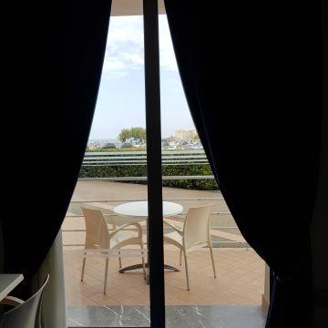 Hotel Astro Suites