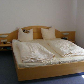 Hotels Sinsheim mit Zimmerservice • Die besten Sinsheim Hotels bei ...