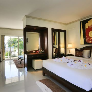 Hotel Naka Resort