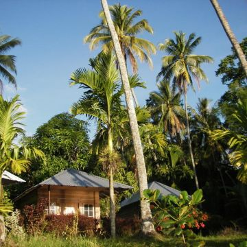 Muaro Beach Bungalows