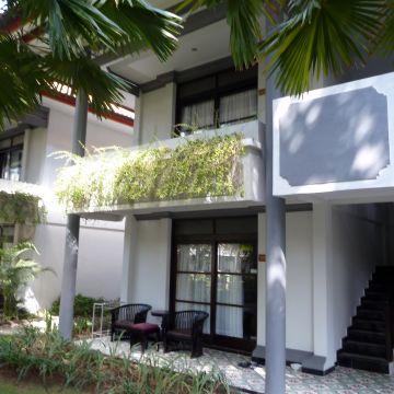 Puri Saron Seminyak Hotel