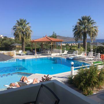 Hotel Villa Life