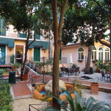 Hotel Astoria Garden
