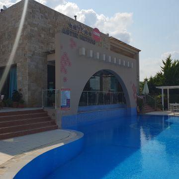 Hotel Astir Notos & Notos Deluxe Suites