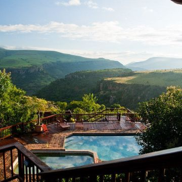 Guesthouse Acra-Retreat Mountain View