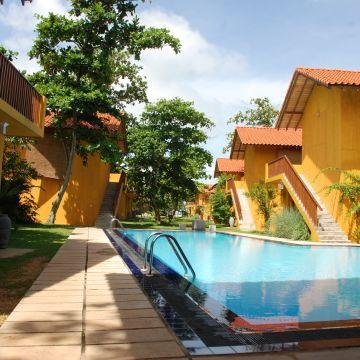 Hotel Muthumuni Ayurveda Beach Resort