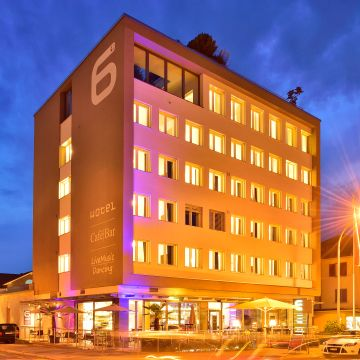 Hotel SiX