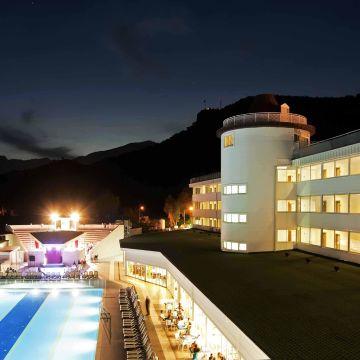 Orient Hotels Roxy Resort