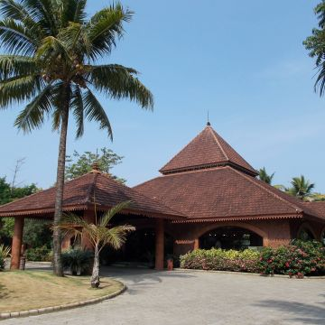 Hotel Lakesong Resort