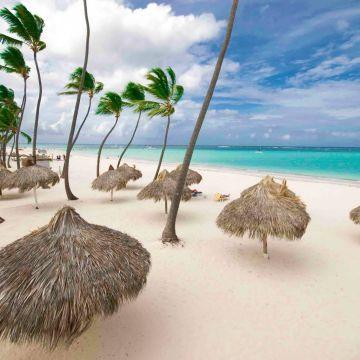 Los Corales Village
