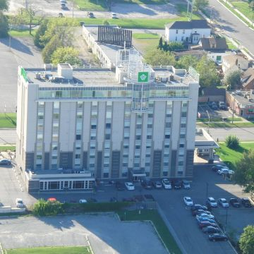 Hotel Wyndham Garden Fallsview