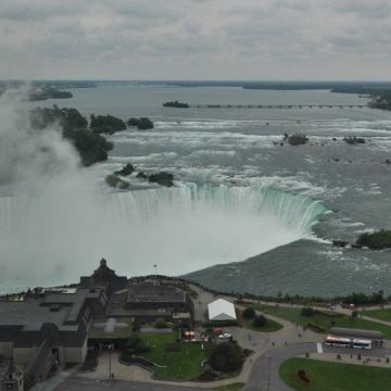 Embassy Suites Hotel Niagara Falls / Fallsview