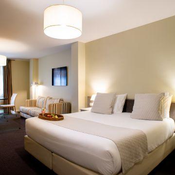 Hotel Room Mate Vega