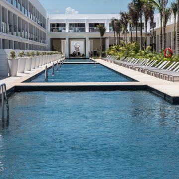 Hotel Platinum Yucatan Princess All Suites