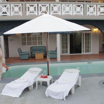 Holiday Home Eden Villa