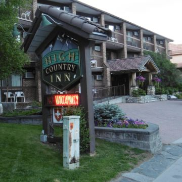 Hotel Banff High Country Inn