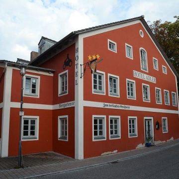Hotel Adler / Gasthof Zum verkauften Großvater