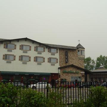Hotel Whistlers Inn