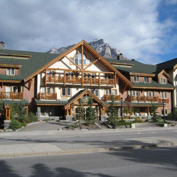 Hotel Spruce Grove Inn