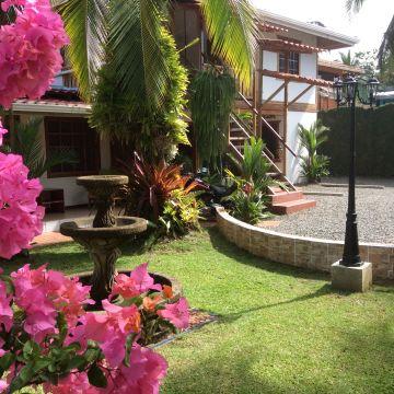 Hotel Cabinas Tropicales