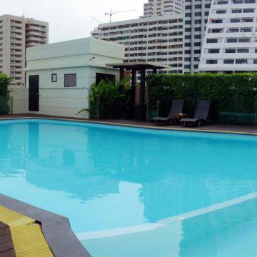 Lohas Suites Sukhumvit by SuperHotel Bangkok