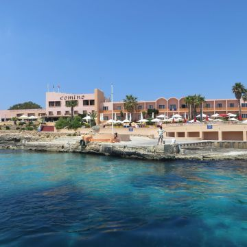 Comino Hotel & Bungalows