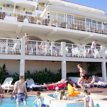 Captains Hotel