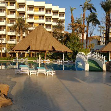 Hotel Pyramisa Isis Luxor