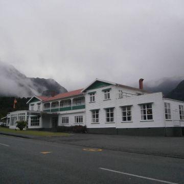 Hotel Heartland Fox Glacier
