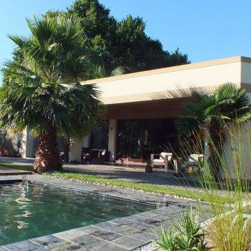 Hotel Lily Pond Lodge