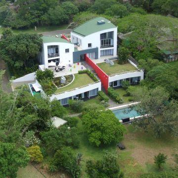 Guesthouse Serene-Estate