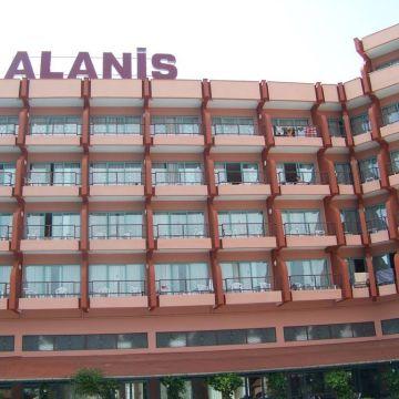 Hotel Alanis