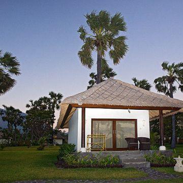 Hotel Kubu Indah Dive & Spa Resort