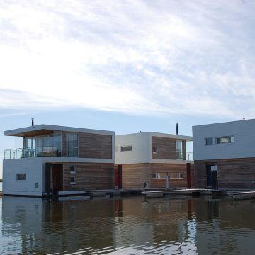 Floating Houses Marina Kröslin