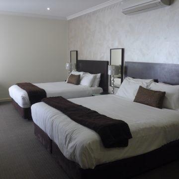 Best Western Plus Hotel Hovell Tree Inn