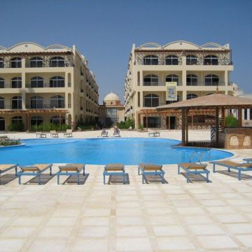 Palm Beach Piazza Apartments