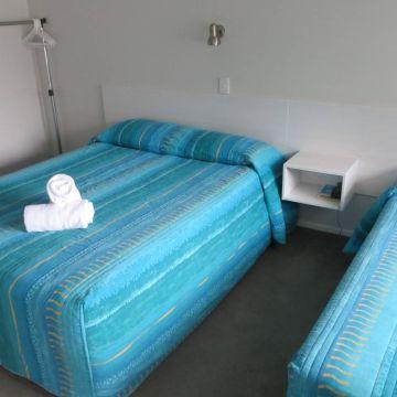 Averill Court Motel