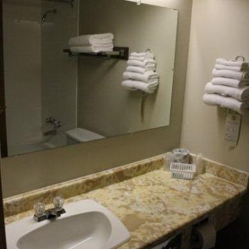 Hotel Wells Gray Inn