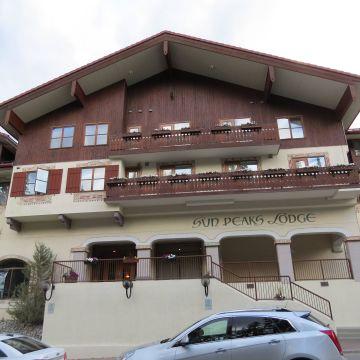 Hotel Sun Peaks Lodge