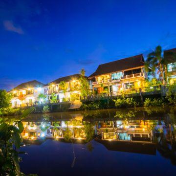 Baanrimnam Resort Hotel