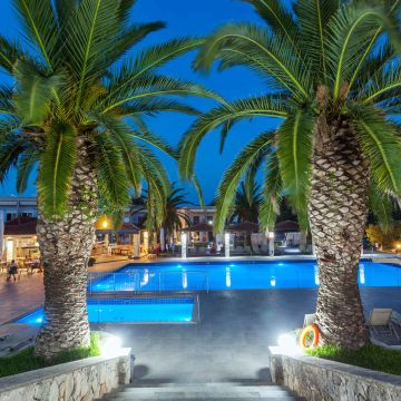 Hotel Iris Beach Village
