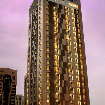 Hotel Hala Arjaan by Rotana, Abu Dhabi