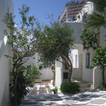 Aeolos Apartments