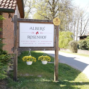 Albers' Rosenhof Hofreiterei - Hofbetten - Hofcafé