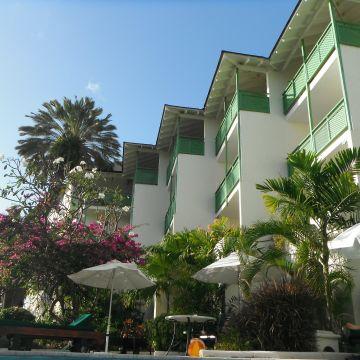 Hotel Mango Bay Beach Club