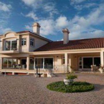 Villa Bollard House