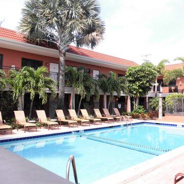 Hotel The Away Inn