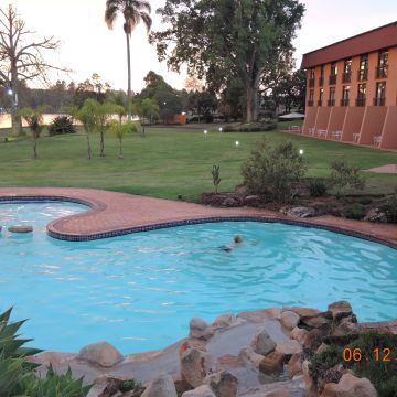 Hotel Pine Lake Inn